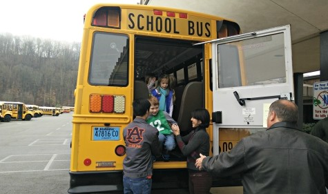 Auburn University Doctoral Candidate Teams Up with Oak Mountain Elementary to Conduct School Bus Safety Research
