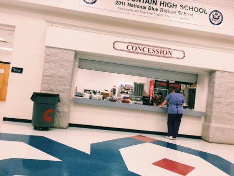 Concession Stand Opens to Students During SOAR 60